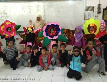 Kostum Bunga Bunga Teater Anak