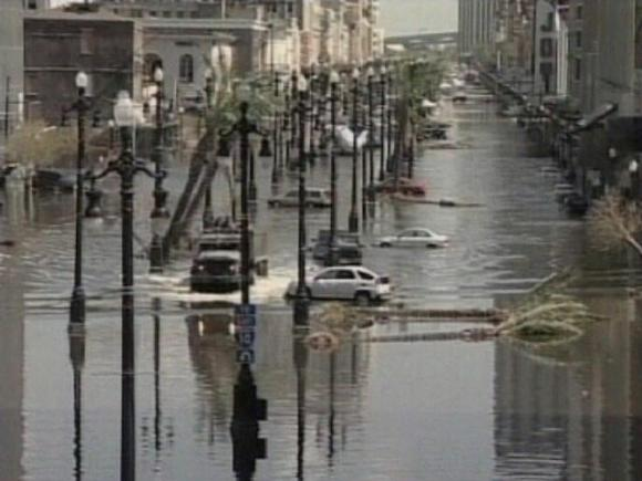 Flooded_street_no_katrina