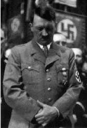 HitlerPraying
