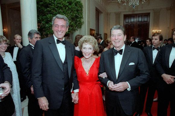 800px-reagans_with_rock_hudson