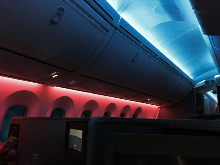 787 - cabin lighting before landing