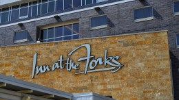 Winnipeg Adventure Winnipeg City Tour Inn at the Forks Winnipeg Hotel Experience