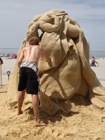 """Weightless"" with sculptor, Johannes Hogebrink from Amsterdam, Netherlands"