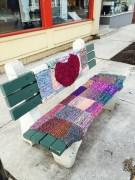 Colls crochet bench heart