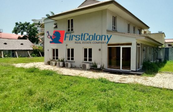 Detached House for Office Use on 1800sqm Land
