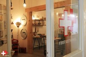 FIRST EET CAFE WINKELDEUR