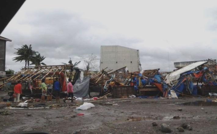 typhoon-lando
