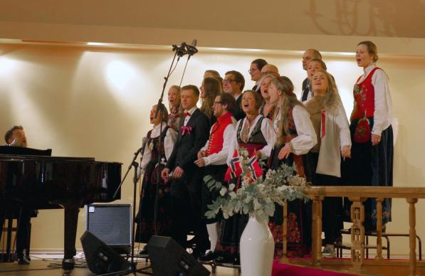 connectional-table-norway-signatur-choir-edited-3a-597×388