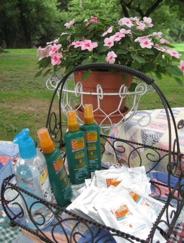 Outdoor bug spray basket