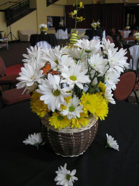 Spring Daisy Centerpieces
