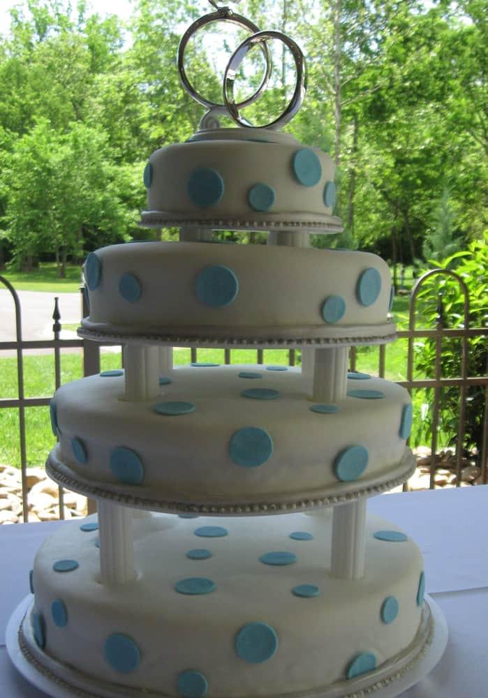 Wett Lemon Fondant Knoxville, TN Wedding Cake with Blue Fondant Dots
