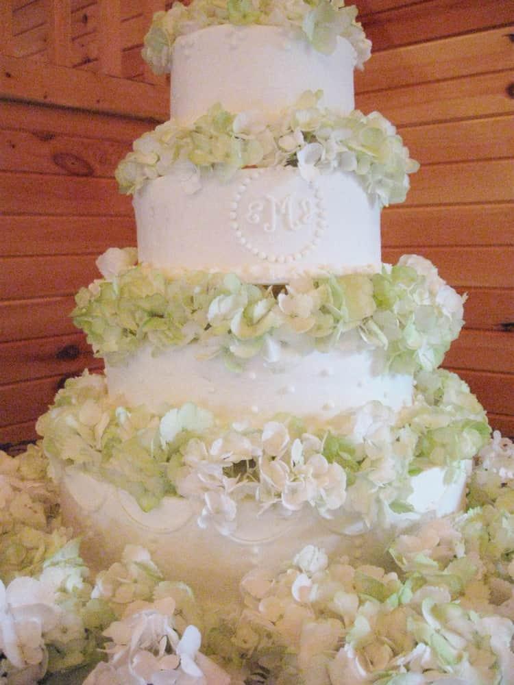 Pink Fondant Knoxville, TN Wedding Cake with Fresh Hydrangea