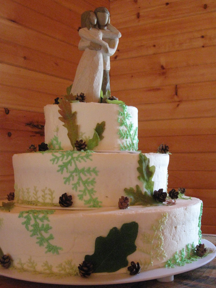 Rustic Fern Vanillabean Knoxville, TN Wedding Cake with willow topper