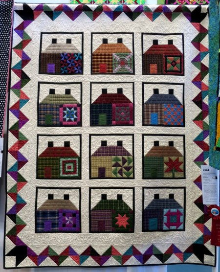 Breaking Amish by Marge Hoyt quilted by Lisa Taylor