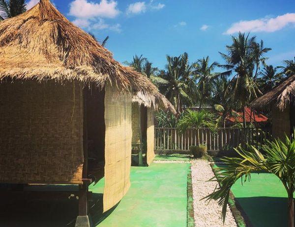 Borneo homestay dekat senggigi lombok, sumber ig corentin_tisserand