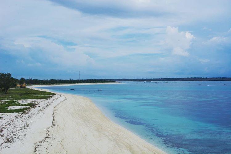 Pantai Cemare Lombok, sumber ig darma.one.dh