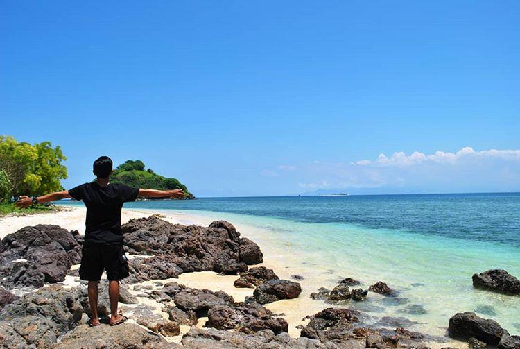 7 Objek Wisata Pantai di Lombok Barat Yang Asik dan Bikin Rileks