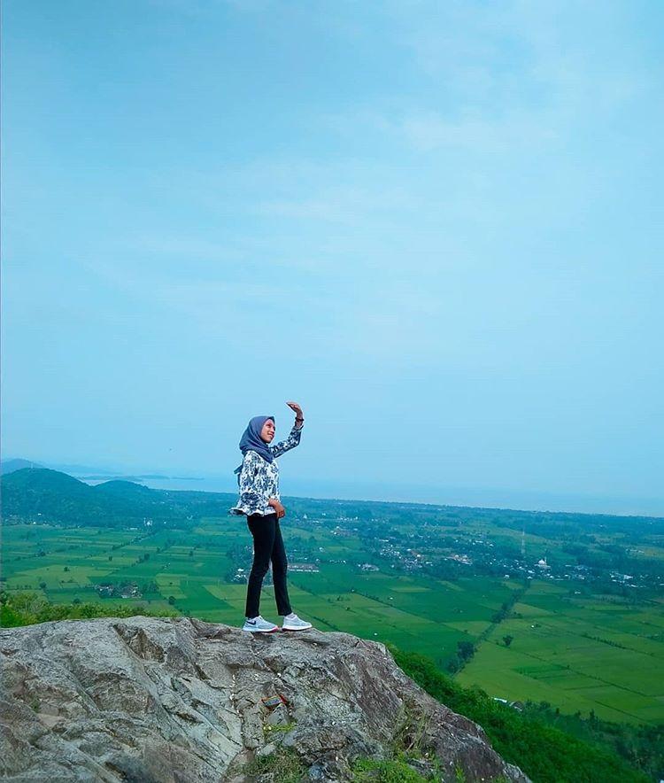 Bukit Batu Idung, sumber ig lombokhitskekinian