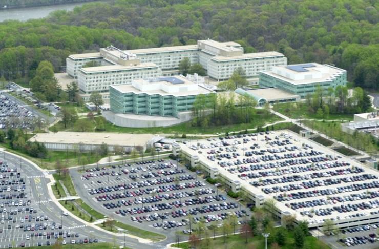 langley Российский самолет-разведчик пролетел над Пентагоном и штаб-квартирой ЦРУ