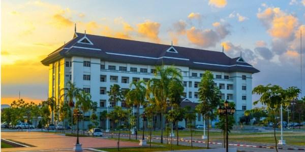 hotel crop square
