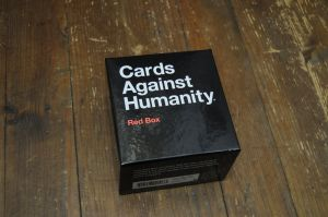 Cards Against Humanity Intl Ed: Red Box