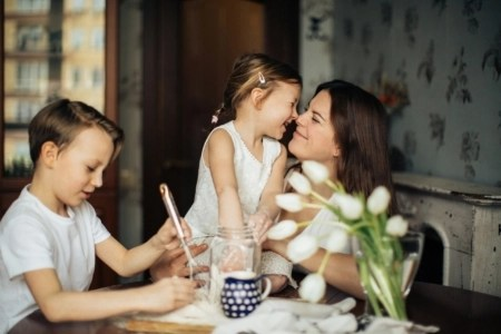 family-at-breakfast-table
