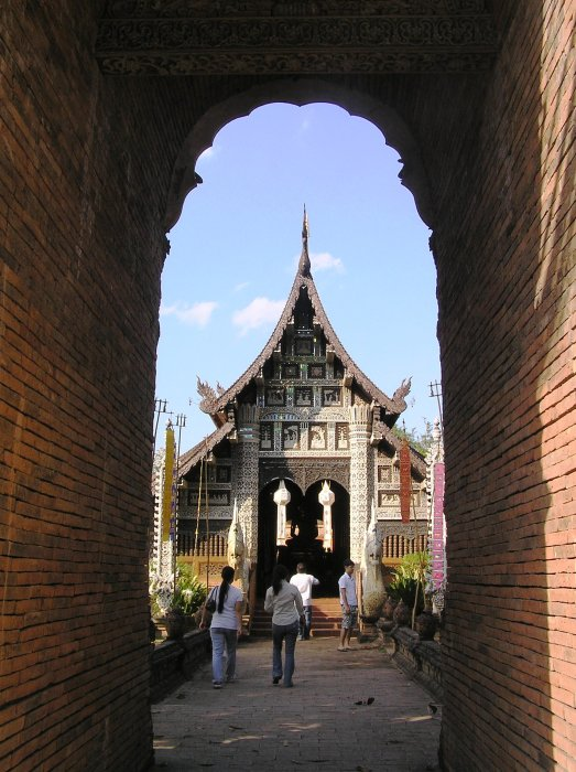 The entrance to Wat Lok Molee.