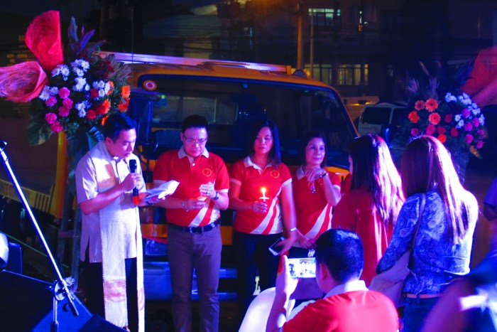 CIC Vice-President Johnny T. Tajanlangit (2nd from left) lead the CIC team during the inauguration of the new truck.