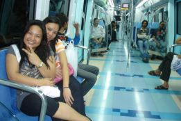 Traveling in Dubai Metro