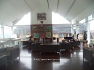 Galeri dan kafe kakai langit