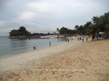 Pantai Silosa, Sentosa. Biasa aja kan pantainya. tapi di nyaman buat main-main, hehe