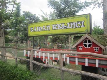 Taman Kelinci Pasar Apung Lembang aka Lembang Floating Market 5