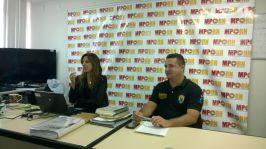 Promotora Gilka da Mata e o Supervisor Geral de Fiscalização Ambiental explanam para os Fiscais
