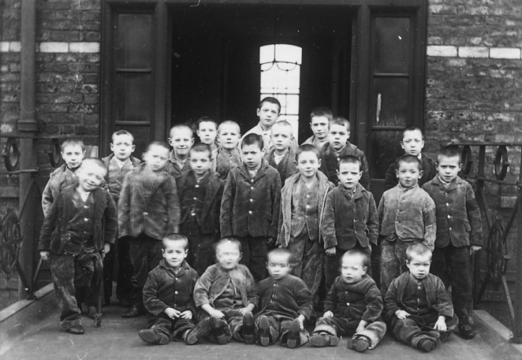 Children_at_crumpsall_workhouse_circa_1895 wccnet