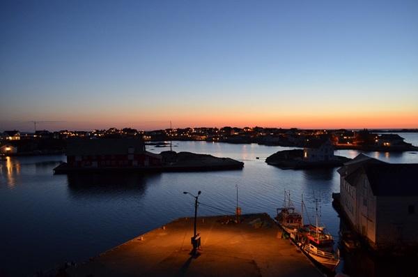 アナゴ釣りは夜の港で