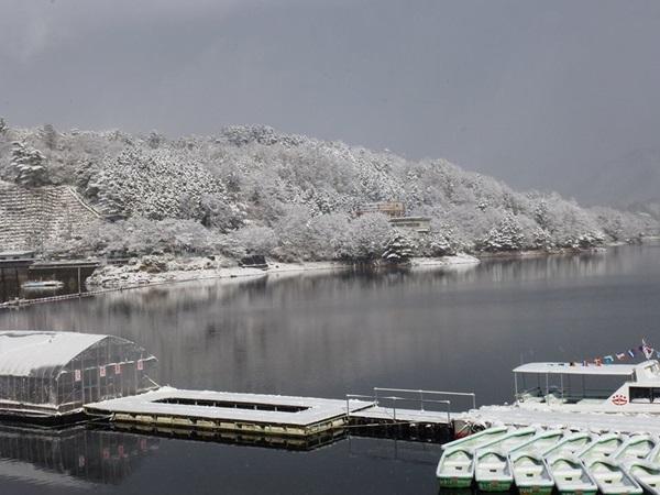 関西のワカサギ釣りといえば津風呂湖