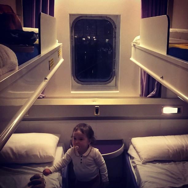 bébé dans une chambre de corsica ferry
