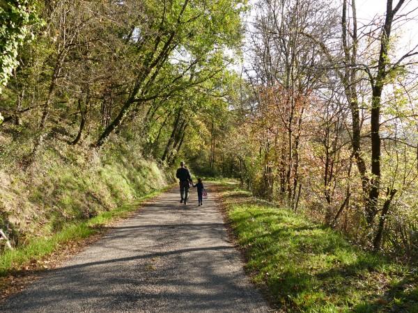 sentier de rando - Lusignan-Grand
