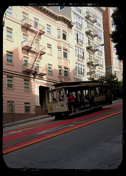 cabe car dans Powell street - San Francisco