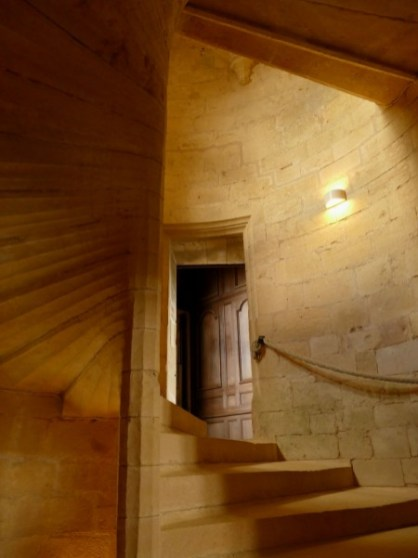 escalier du château de Biron en Dordogne