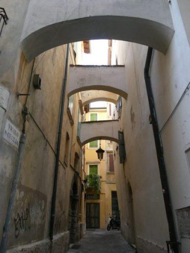 dans les rues de Vérone (Italie)