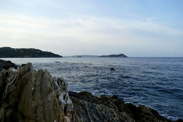 port Niel sur la presqu'île de Giens