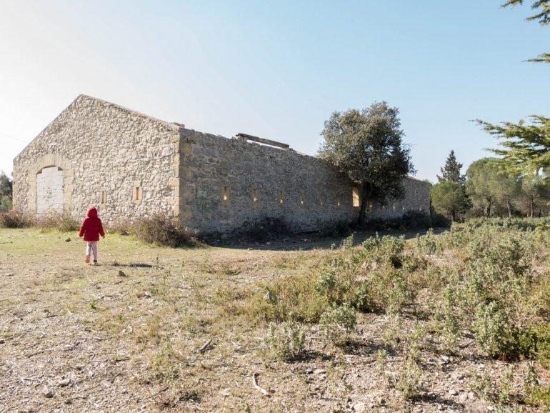 bergerie en ruine sur la randonnée cit'art de Vic La Gardiole