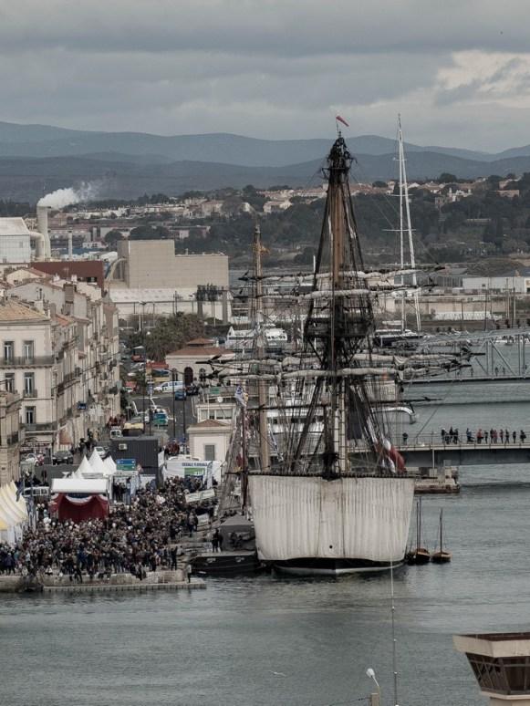 l'hermione dans le port de Sète
