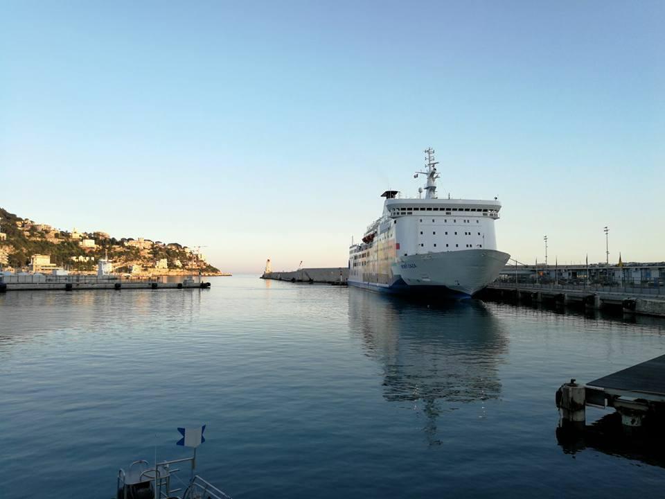 ferry moby lines au port de nice