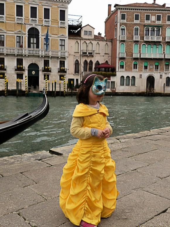 enfant déguisé à venise