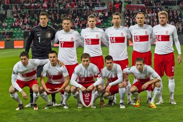 team photo for Poland