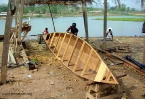 Boat building in Ghana