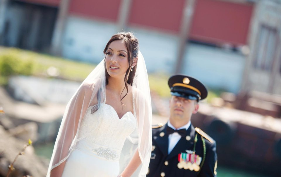 Buffalo-wedding-Bride-and-groom-outer-harbor-2