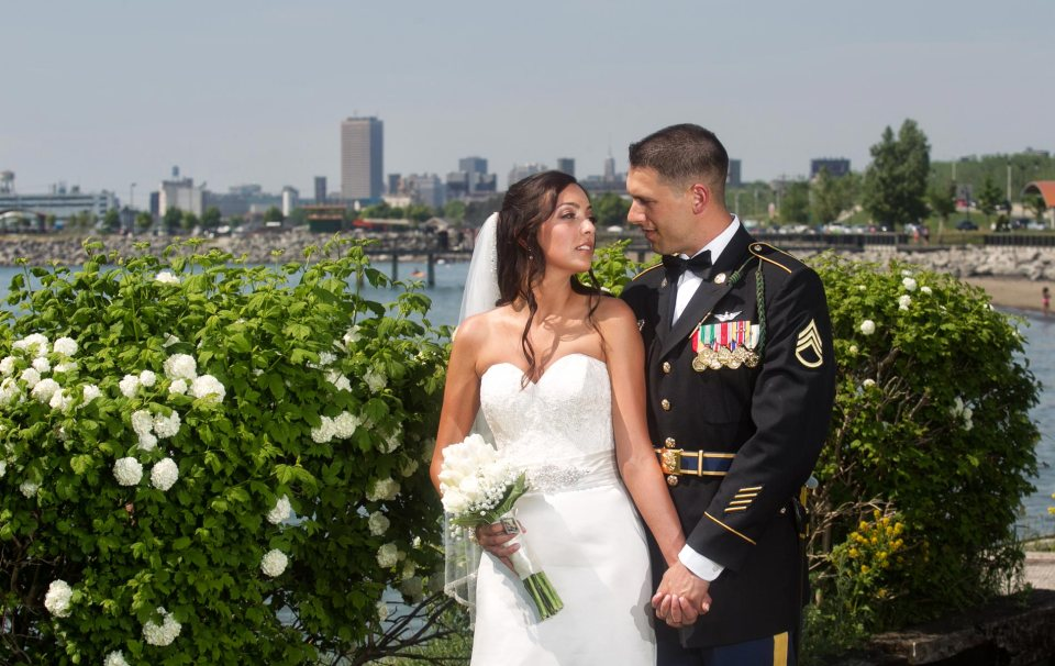 Buffalo-wedding-Bride-and-groom-outer-harbor-5